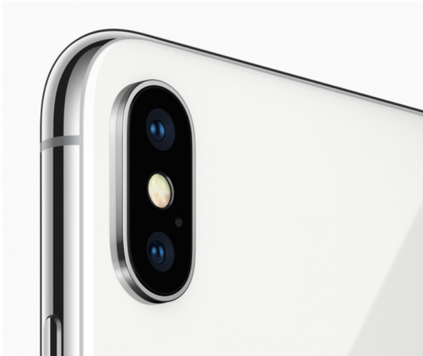 Apple Akan Adopsi Kamera 3D Sony di iPhone?