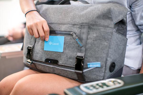 Tas Anti Maling Ini Punya Alarm yang Tertanam Di Dalamnya